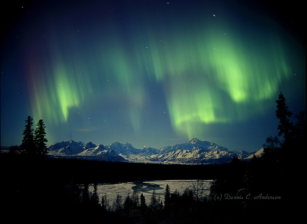 Dennis Anderson's aurora photos are at the Fireweed Gallery.