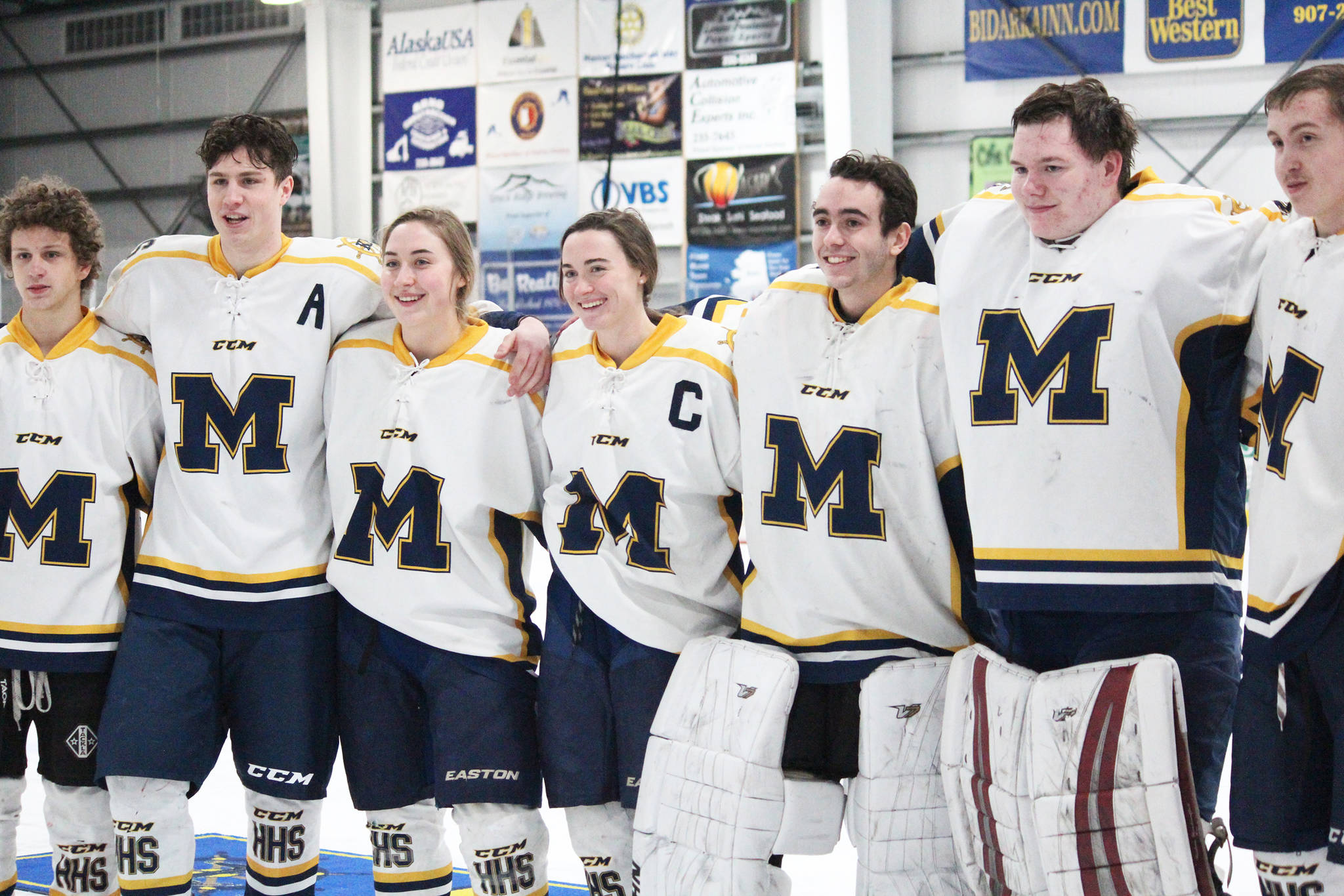 Homer seniors have victorious last weekend of home hockey