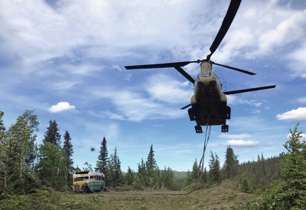 Alaska Army National Guard Soldiers assigned to 1st Battalion, 207th Aviation Regiment execute an extraction mission via a CH-47 Chinook helicopter over Healy, Alaska, June 18, 2020. (Alaska National Guard courtesy photo)